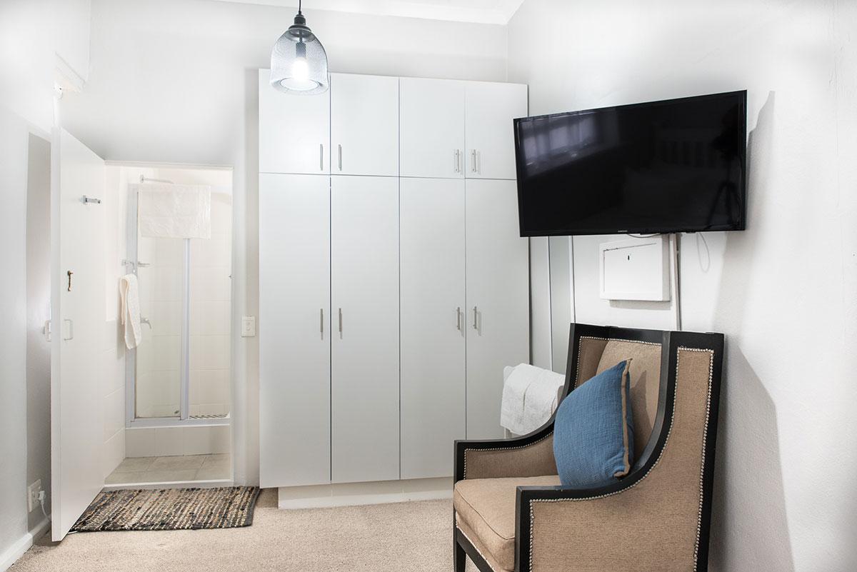 Room4 Bedroom