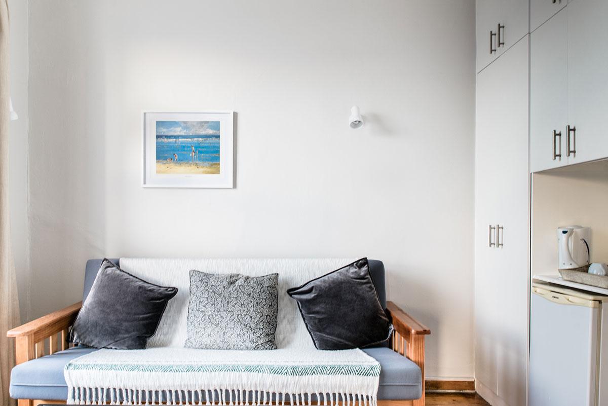 Room5 living area