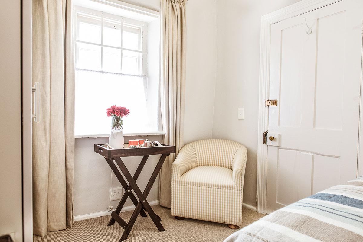 Room6 bedroom